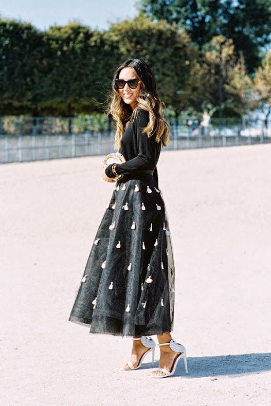 peplum-skirt-trend - Yüksek Bel Kotlar Tül Etekler Replum Elbise Normcore Tarzı Mode Kıyafetler Midi Etekler kreasyonlar Jogger Pantolonlar Demode Kıyafetler Dar Kotlar Beyaz Tulumlar