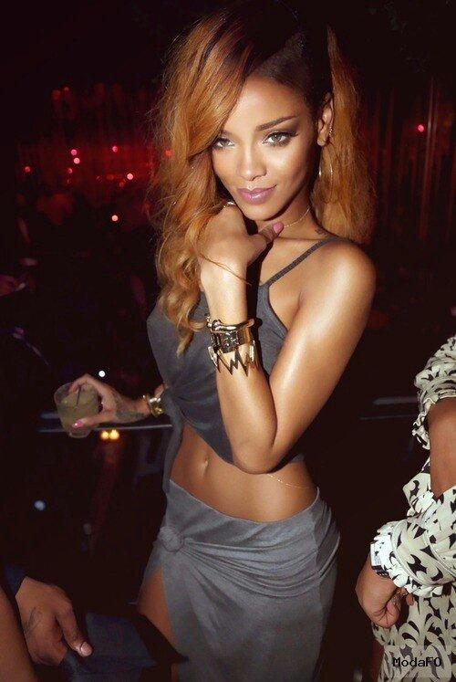 Rihanna Bra Size Height Weight