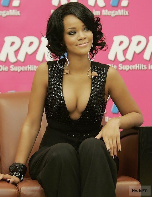 Rihanna Hairstyles - Celebrity Latest Hairstyles 2015