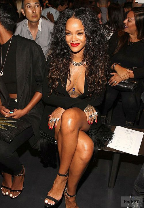 Rihanna's Altuzarra Spring 2015 Fashion Show ...
