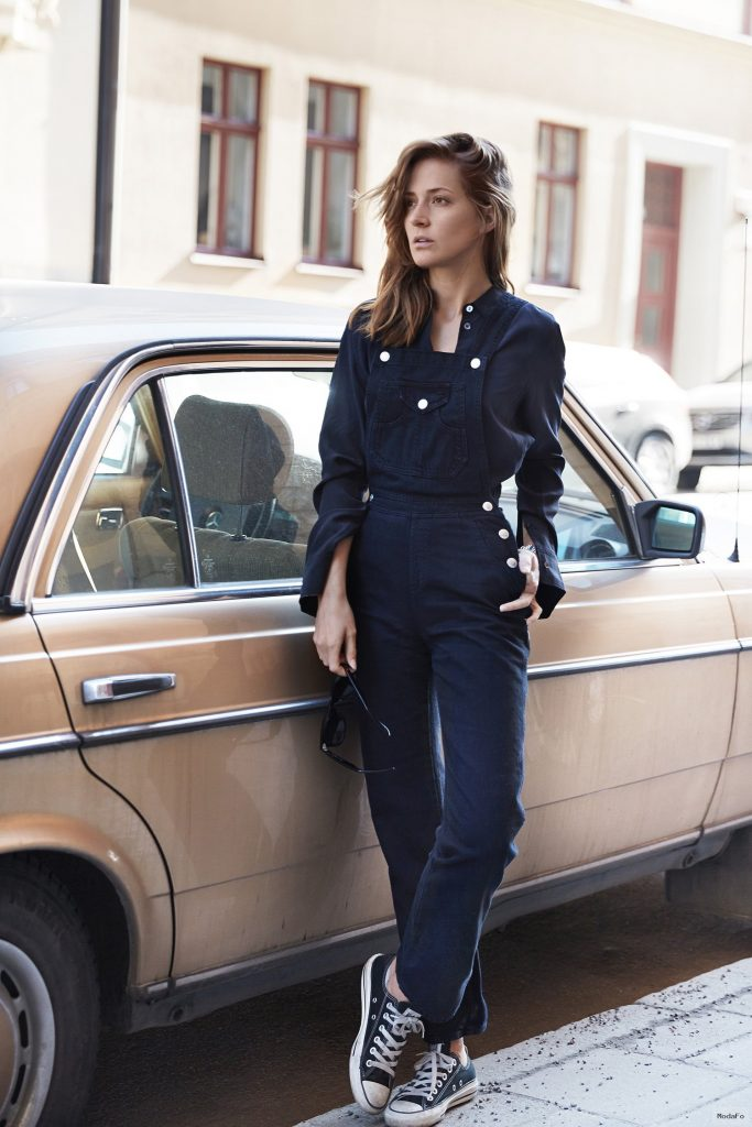 Street Style: Casual Dark Denim Overalls For Women
