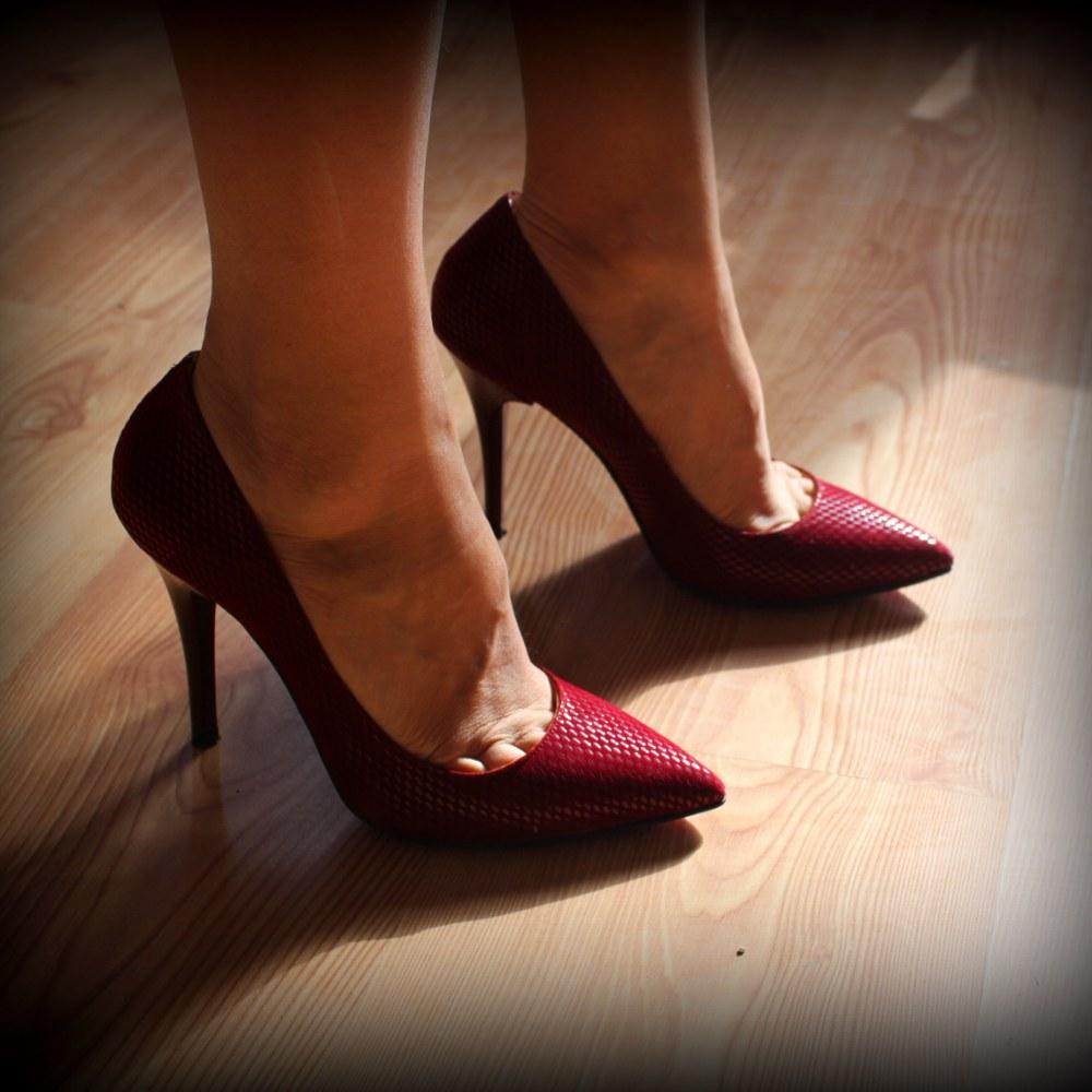 gold-stiletto-ayakkabı