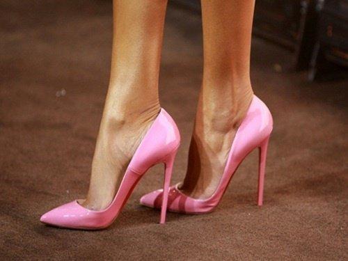 pembe-stiletto-ayakkabı-modeli