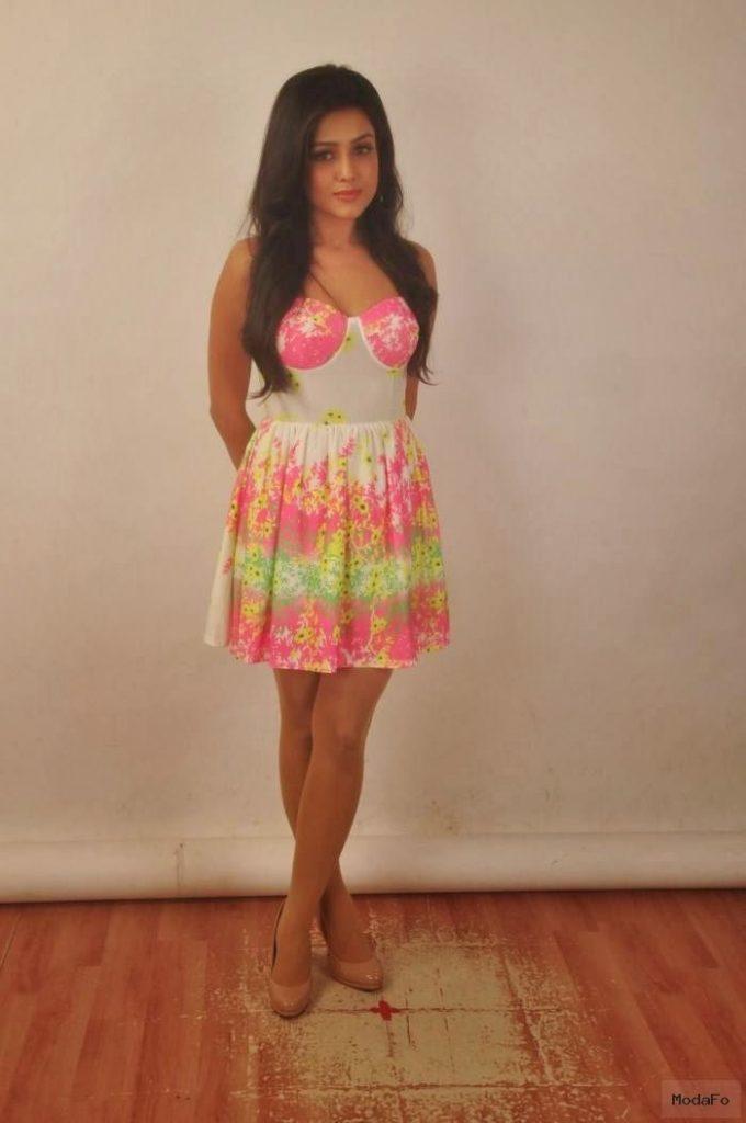 Mishti Chakraborty Floral Skirt ThunderThighs Cleavage Latest …