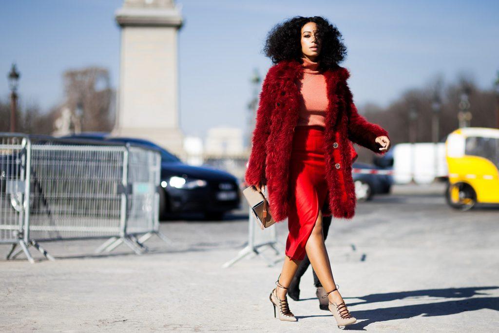 Kırmızı Kombin Önerileri 2016-George-Angelis-Solange-Knowles-Paris-Fashion-Week-Fall-Winter-2015-2016-Street-Style-1