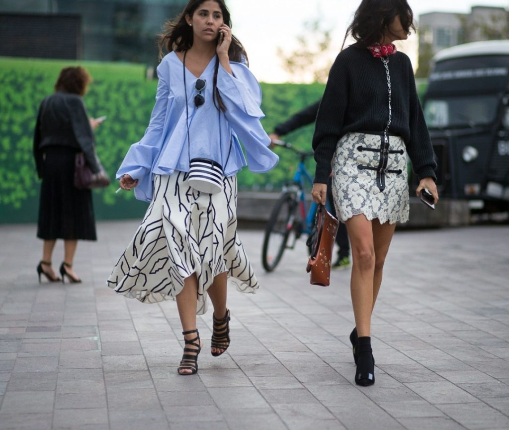 londra-sokak-stili-ilkbahar-yaz-londra-moda-haftasi-2016-londonss16day3-3707-1080x913