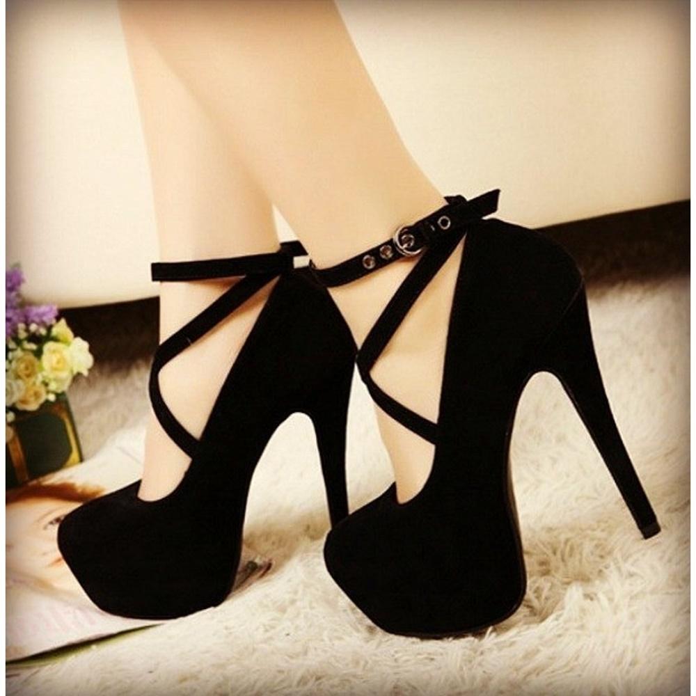 siyah-yüksek-topuklu-ayakkabı
