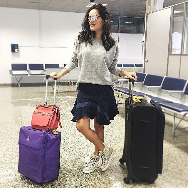 one-easy-airport-look-anyone-can-master-sweater - 25 Mükemmel Tatil Kıyafetleri (bayanlar için)