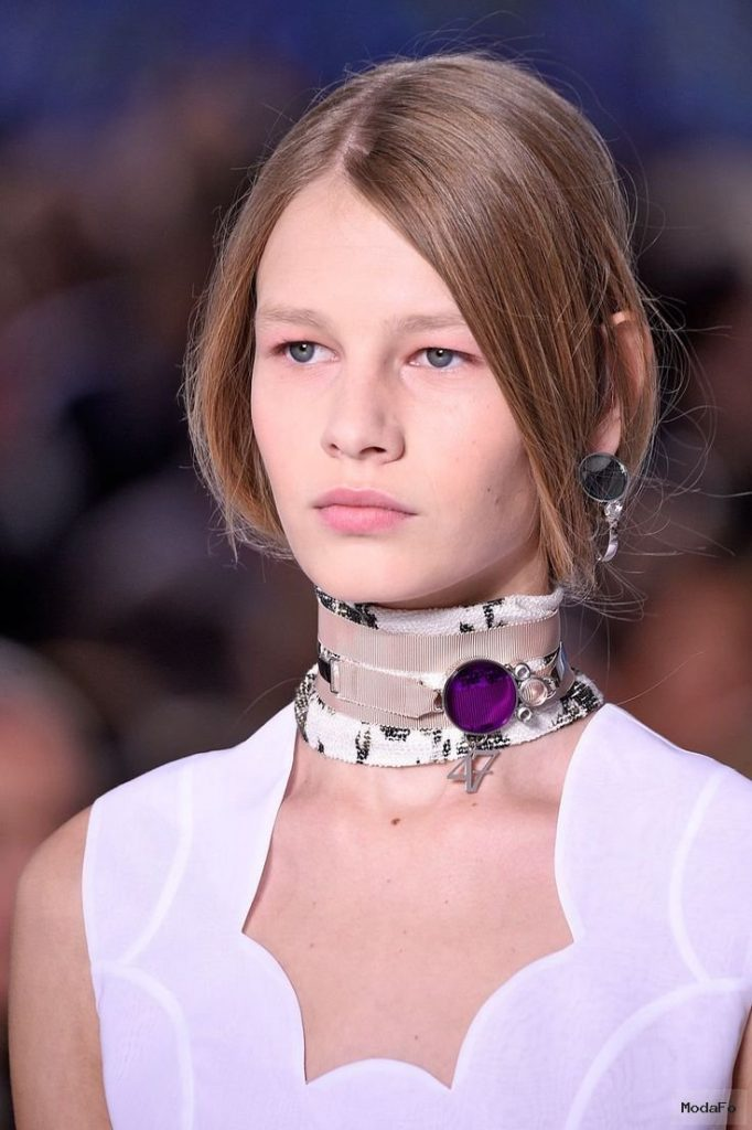 2016 When The Choker & Neck Scarf Trends Collide | Choker, Neck Scarves …