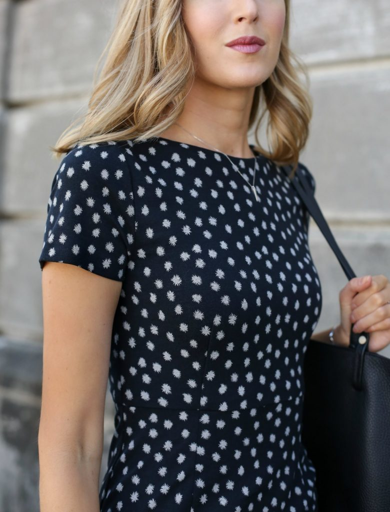 anthropologie-black-short-sleeve-sheath-dress-polka-dot-classic-work-wear-office-business-professional-women-style-fashion-(4)