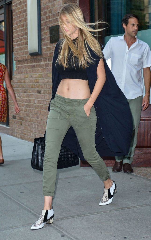 gigi-hadid-street-fashion-out- …