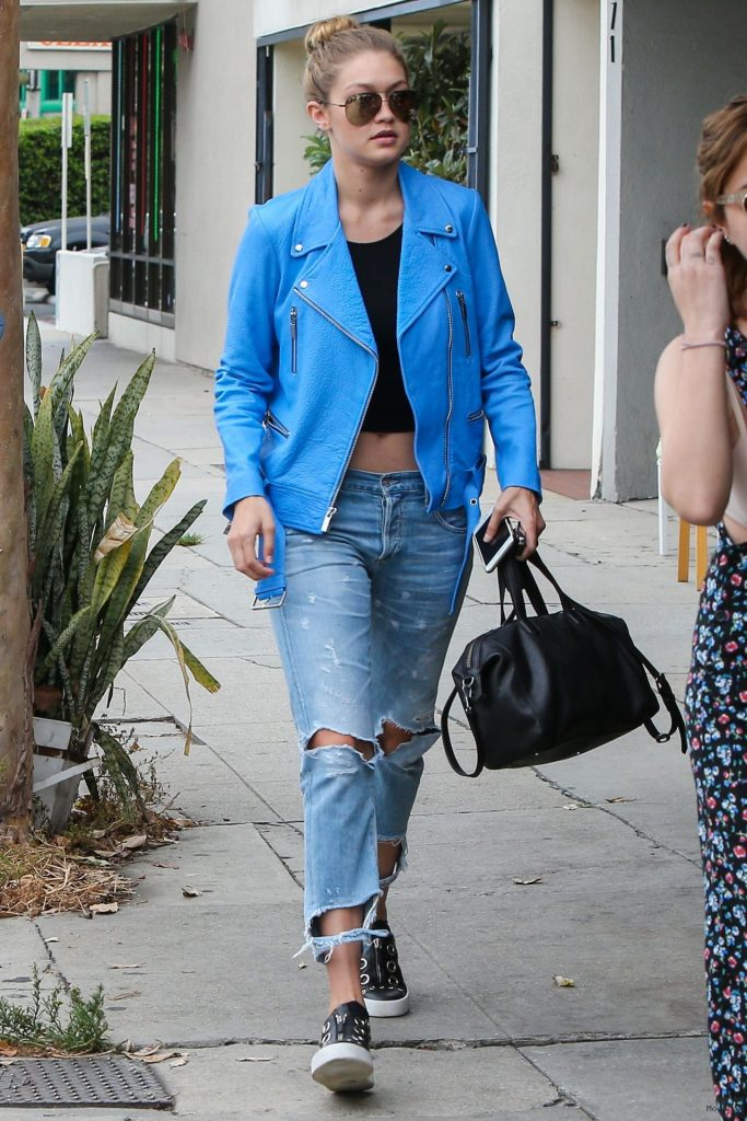 gigi-hadid-street-style-leaving-kings-road-cafe-in-la-july-2015_3 …