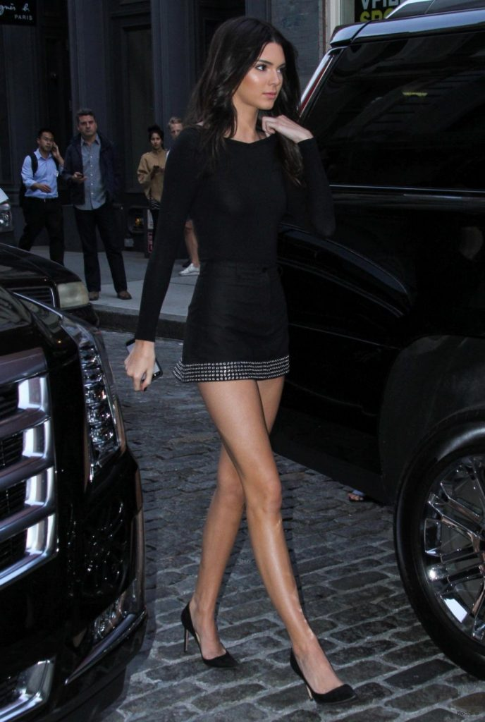 Kendall Jenner - Photos - Stars flock to New York Fashion Week ...