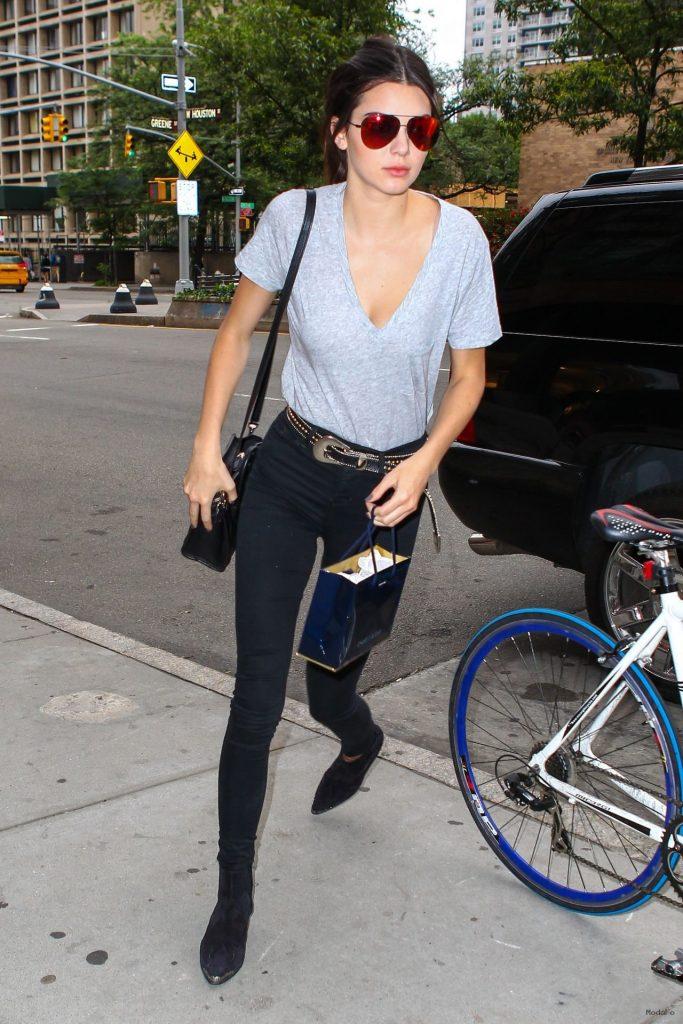 Kendall Jenner Street Style Blog