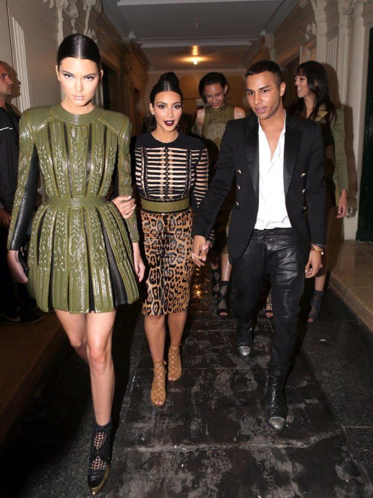 Kim Kardashian and Kendall Jenner - Photos - Stars at Paris Haute ...