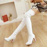 Beyaz-Uzun-Çizmeler-2