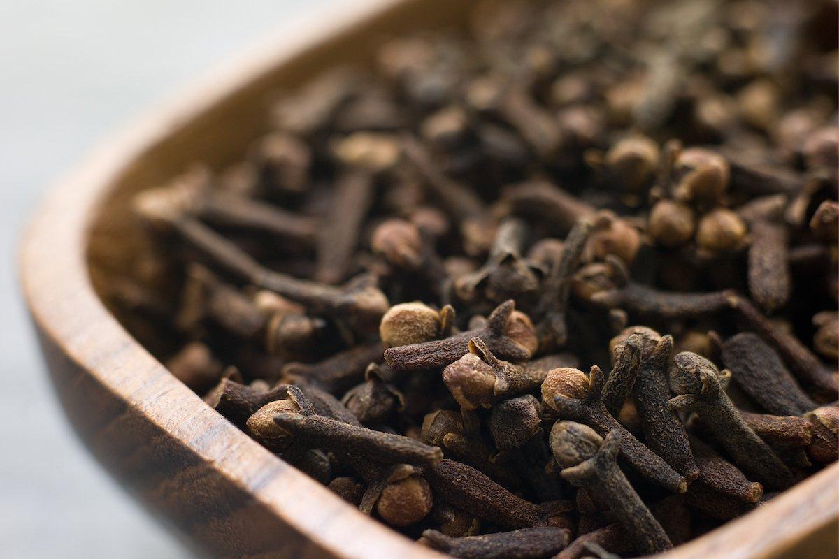 karanfil-çayı-tarifi-2 -