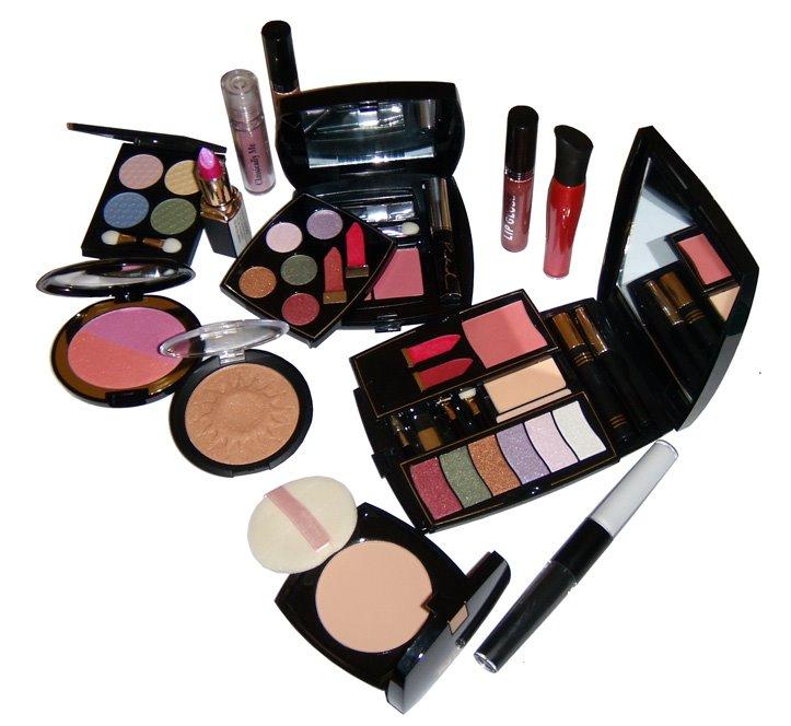 hediye-makyaj-önerileri-1 - yılbaşı gecesi yeni yıl için hediye önerileri kadınlara ne hediye alınır kadınlar için yılbaşı hediyesi